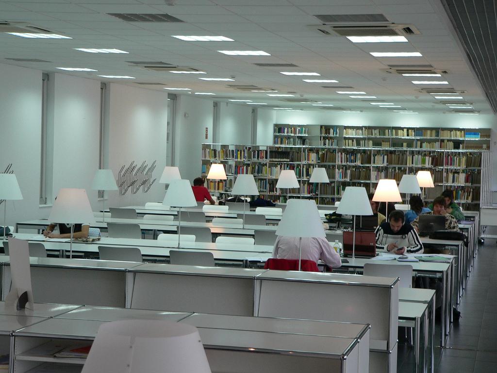 Biblioteca: Experto Universitario en SIG